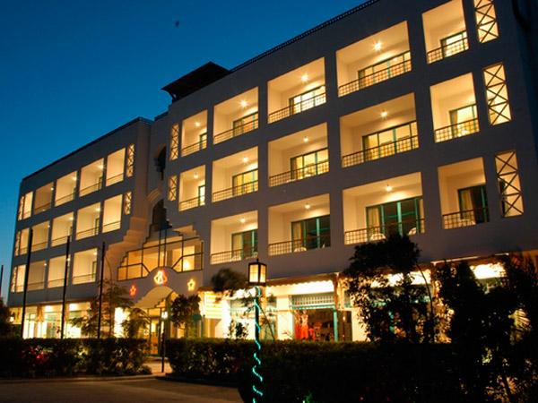 Amira Hotel фасад 1