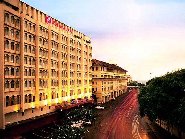 Ramada Hotel фасад