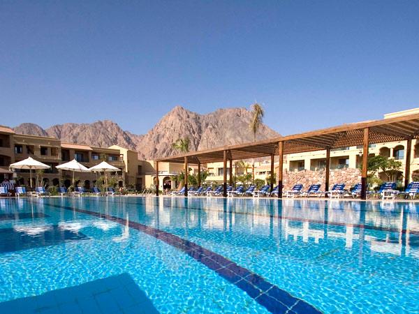 Swiss Inn Dreams Resort бассейн