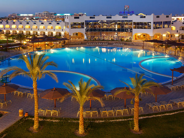 Golden 5 Topaz Suites Hotel территория