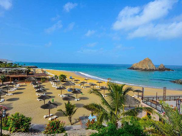 Sandy Beach Hotel & Resort пляж 1