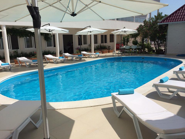 Beach Club бассейн 1