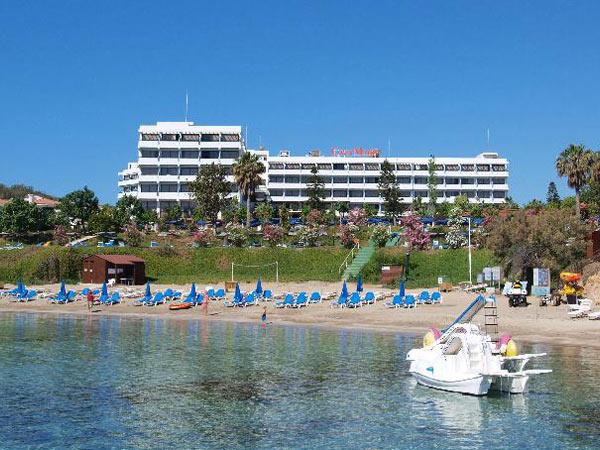 Cavo Maris Hotel пляж