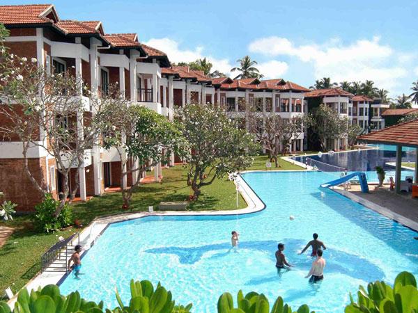 Club Hotel Dolphin бассейн 1