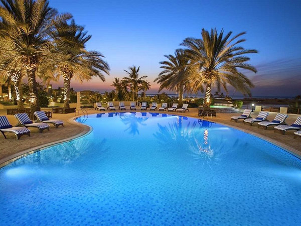 Hilton Al Hamra Beach & Golf Resort бассейн