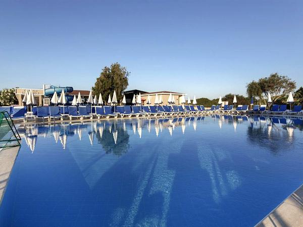 Larissa Holiday Beach Club бассейн