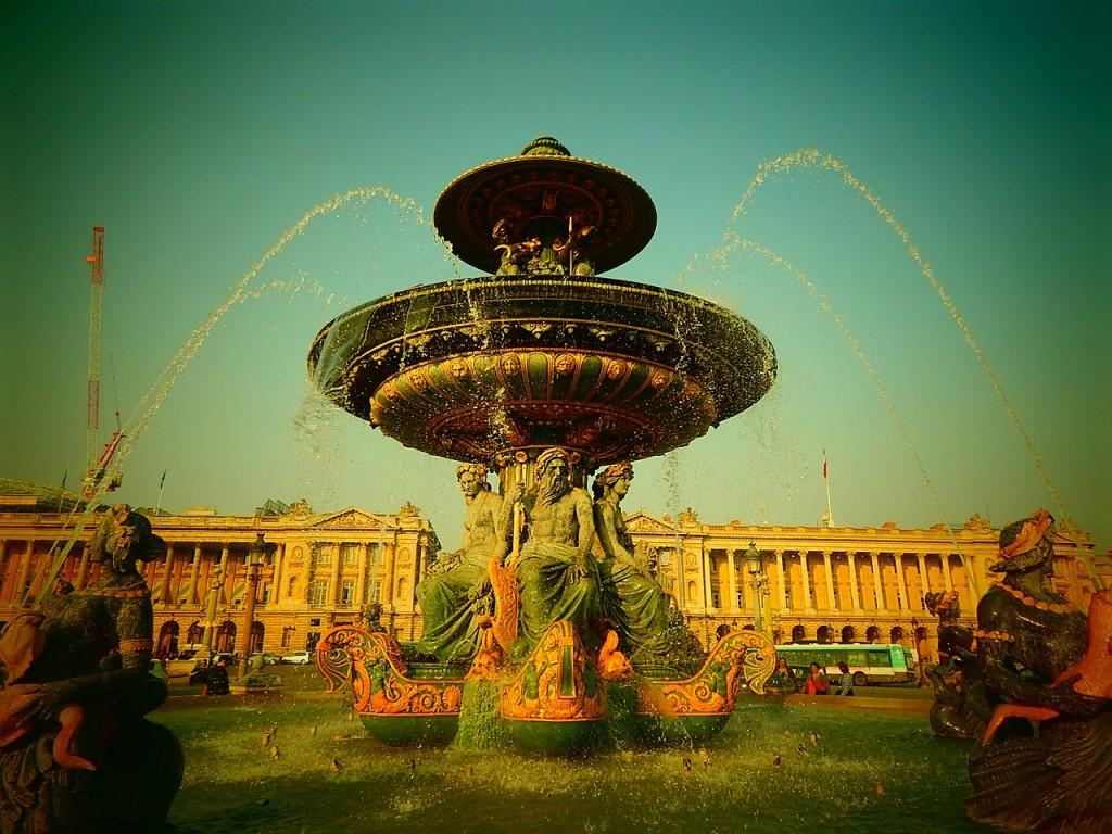 Париж фонтан