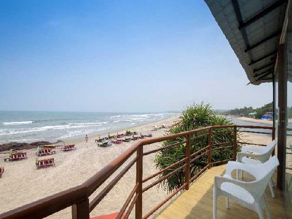 Boomerang Beach Resort пляж