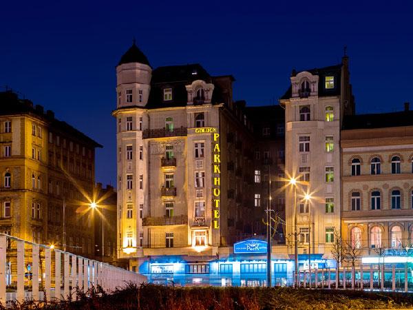 Golden Park Hotel фасад
