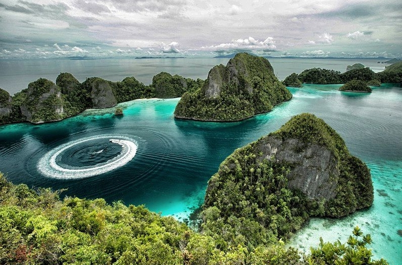Новость пейзажи Остров Misool , Раджа Ампат Папуа, Индонезия