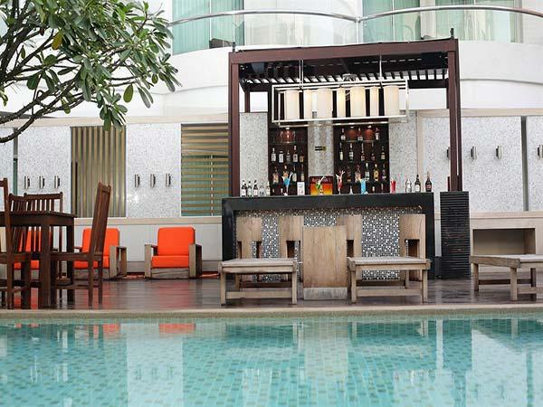A-One Pattaya Beach Resort бар