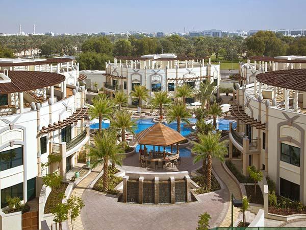 Al Ain Rotana Hotel территория 1