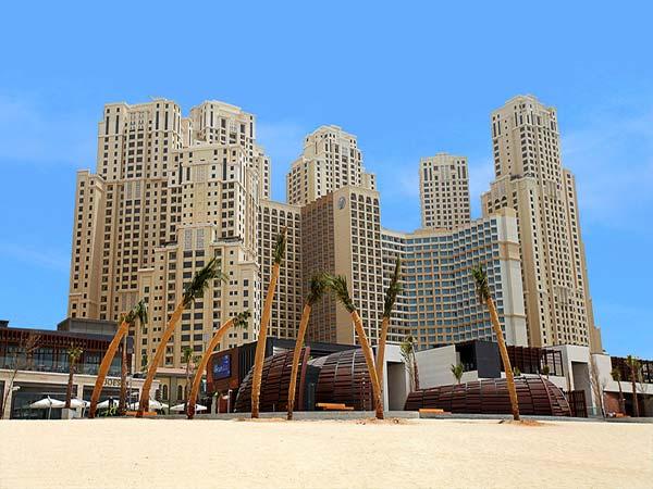 Amwaj Rotana пляж