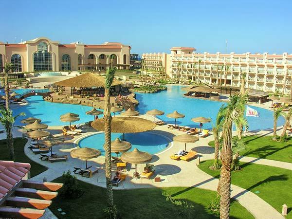 Dessole Pyramisa Sahl Hasheesh Beach Resort территория