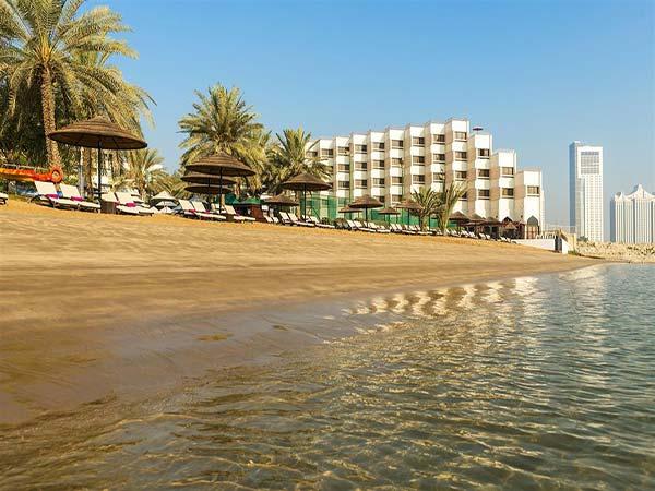 Le Meridien Abu Dhabi пляж