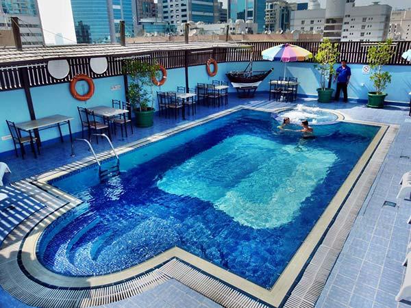 Mayfair бассейн