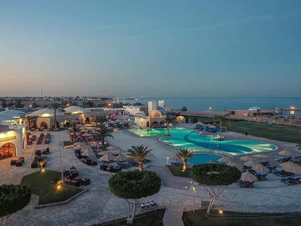 Mercure Hurghada территория 2
