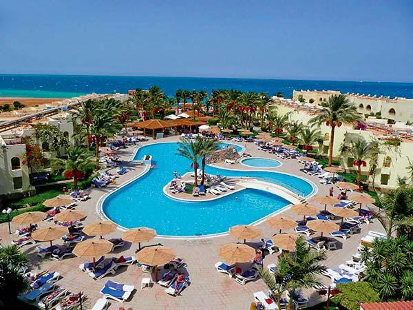 Palm Beach Resort бассейн