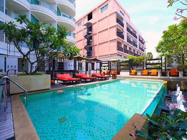 Pattaya Sea View бассейн
