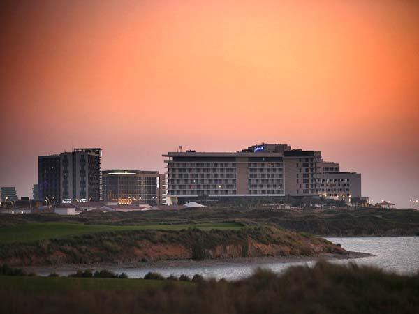 Radisson Blu Abu Dhabi Yas Island панорама