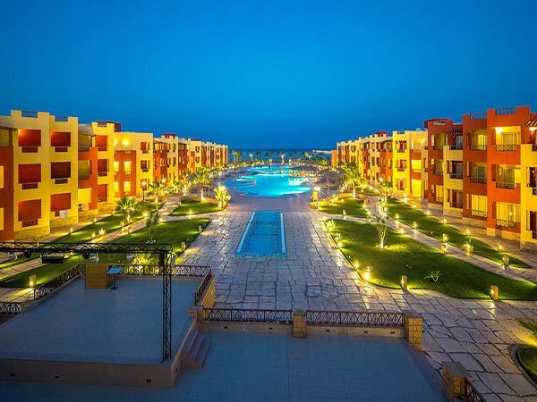 Royal Tulip Beach Resort территория 1