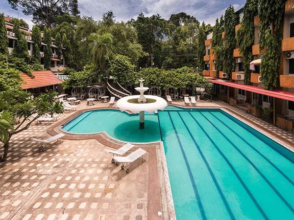 Seashore Pattaya Resort бассейн