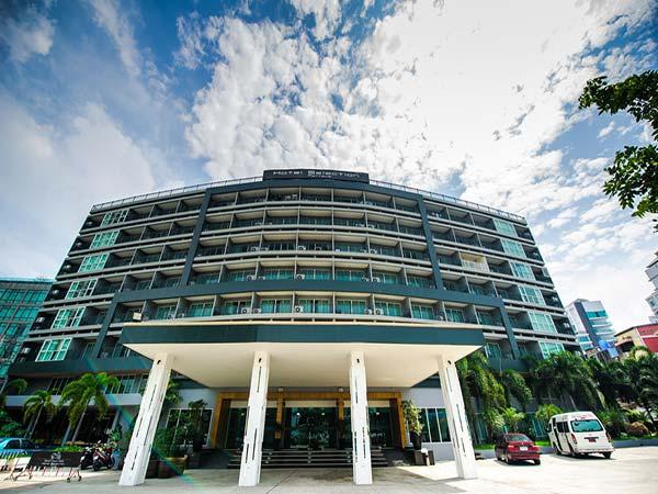 Selection Pattaya фасад