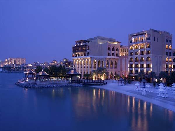 Shangri la Hotel Qaryat al Beri панорама