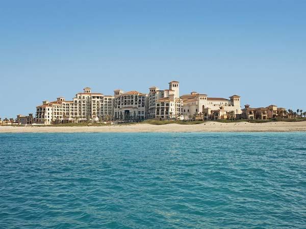 The St Regis Saadiyat Island Resort панорама