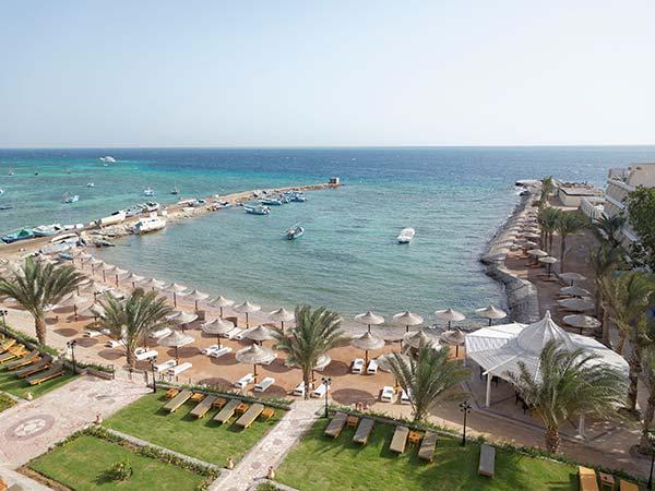 The Three Corners Royal Star Beach Resort пляж 1