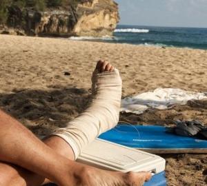 Травмы на отдыхе: как оказать первую помощь