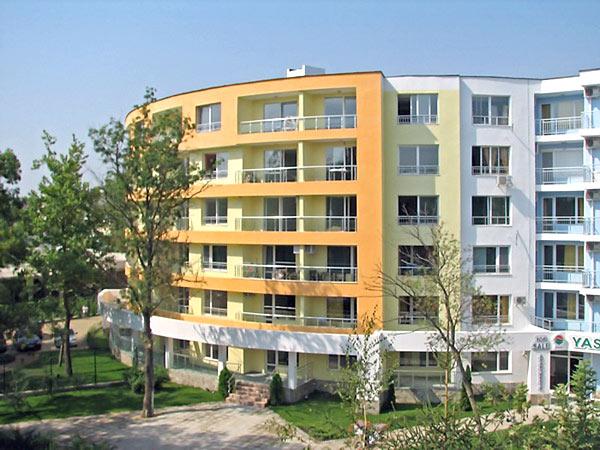 Yassen Apartments 3* (Ясен Апартмен 3*). Фасад