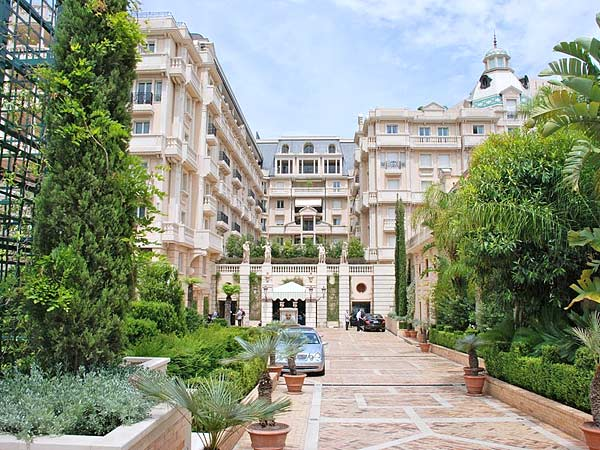Metropole Monte Carlo 5*. Фасад