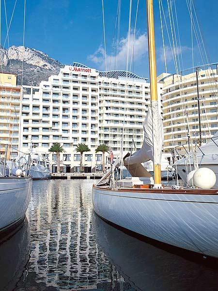 Riviera Marriott Hotel La Porte 4*. Фасад