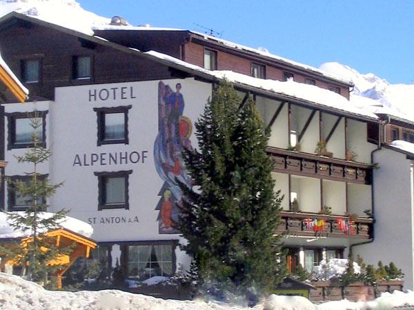 Alpenhof 3*. Фасад