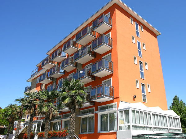 Torino 3*. Фасад