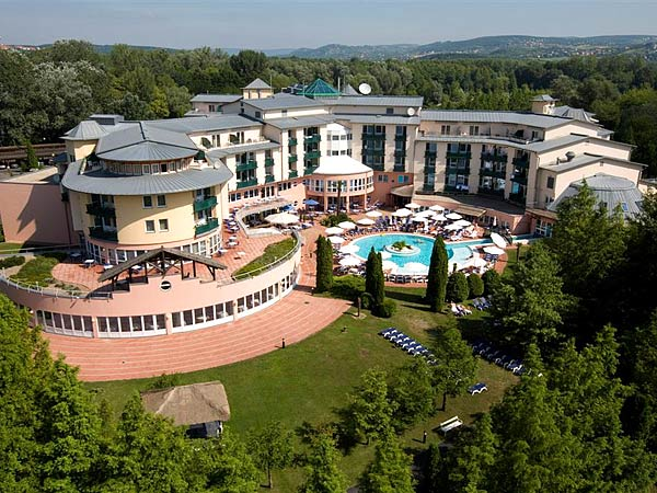 Lotus Therme Hotel & Spa Heviz 5*. Панорама