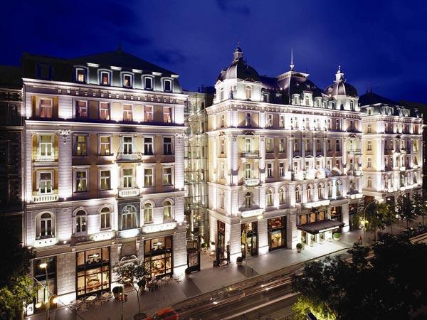 Corinthia Hotel Budapest 5*. Фасад