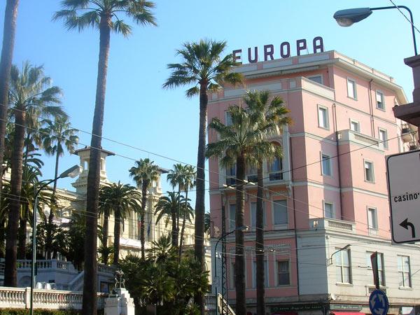 Europa 4*. Фасад