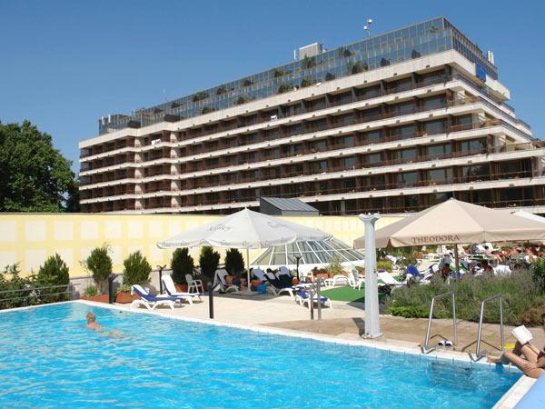 Danubius Health Spa Resort Margitsziget 4*. Фасад