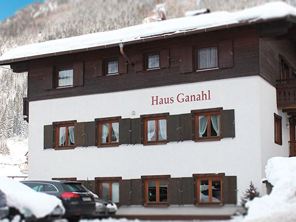 Haus Ganahl 3*. Фасад
