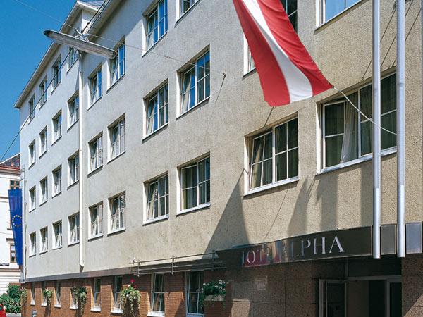 Alpha 3*. Фасад