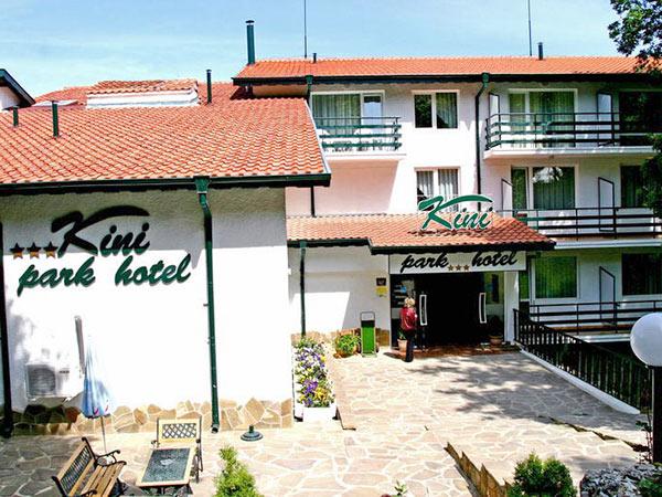 Отзывы об отеле Kini Park Hotel 3*(Золотые пески)