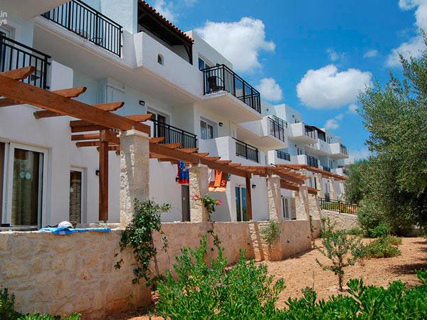 Semiramis Village Hotel 4*.