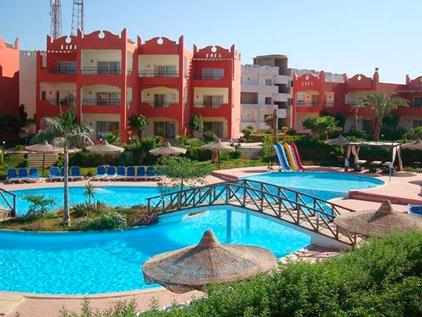 Aqua Hotel Resort & Spa 4*.